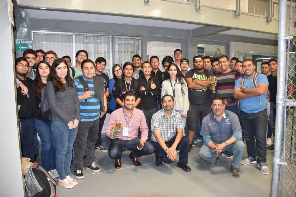 Arrega Industrial y alumnos del ITT